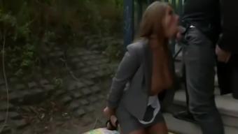 Stepmom Good Bitch Provides The woman Sleeping mattress