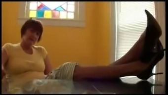 pantyhose,stock,nylon material,both feet,toes,soles,legs at once,footwear,footjob,233-554L