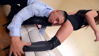 Naughty stud savours fascinating With sharon Lee's extended legs at once in the company