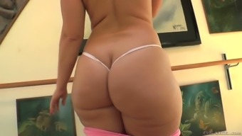 Valentina Nappi with plenty of other heated women would like to masturbate just a little