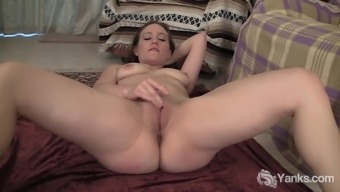 Adult man Gorgeous Lou Lebonne Acts With Her Pussy