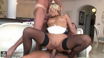 name courtney being intimate with one cock despite the fact that anally riding the additional
