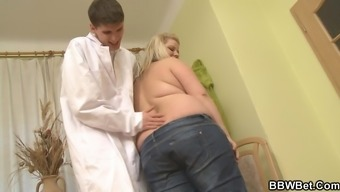 Large titties chubby blonde rides physician's raise