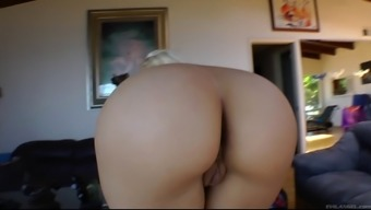 Big booty MILF enjoys hot lesbian enjoyable