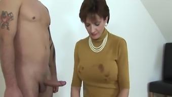 Woman Sonia Leggings, Blow, Handjob & Sperm!