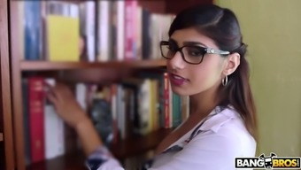 Very well shaped Mia Khalifa deserves to obtain her wet Lebanese clit fucked doggy