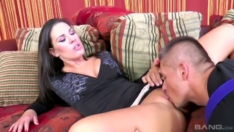 Fascinating temptress Athina Love exchanges sex with the use of workmen for house restores