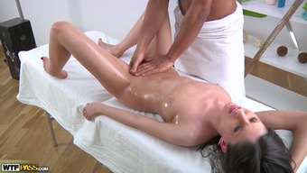 Light colored oiled up darling sucks BBC of the attractive massage therapy analyst