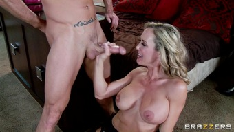 Blond MILF In Attractive Panties Has Hard-core Sexual intercourse In the event that Boyfriend Is Out