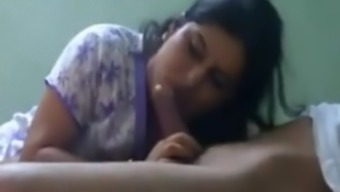 NEIGHBOUR INDIAN WIFE Likes to Style Spunk BJ