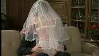 Hot Soon to be bride! Ouderwetse porno!