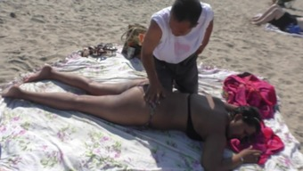 NRI Females Nipple Slip Despite the fact that Get Massage therapy By Old One On Shore