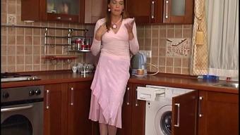 Plumber reached wash homemaker