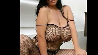 Wonderful women by using boobs