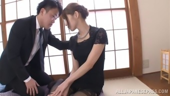 Japanese people mum wearing stockings enjoys some wayward banging