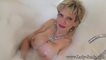 Sonia desires that you definitely ejaculate with her tits whereas she needs a bath