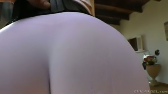 Full-figured dirty-minded auburn MILF in this kind of exercise pants enhance her bubble butt