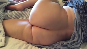 Plus-size woman Wifey Clair - Booty Play