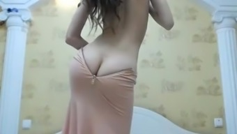 ArabPrincess Camgirl with the use of Loot Cleavage