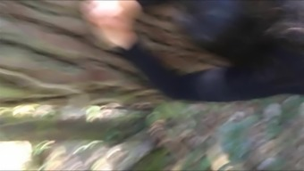 Beurette salope dans les bois, la video files longue