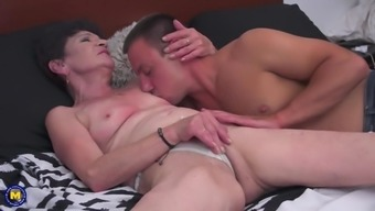 Banned sex by using mature mum and granny