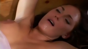 Slutty bride is screwed with her ass in MMF threesome