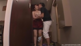 Gorgeous Japanese people stinks a cock before a intercourse appointment