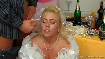 Perverted soon to be bride junk sucker gets cum in their entrance before drilled at her weddind