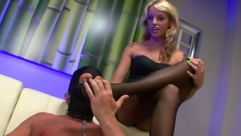 BLonde slut loves to take control of