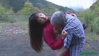 Far eastern Girl Getting Her Pussy Licked And Fucked By Old One Sperm To really Butt Outdoor adventure At