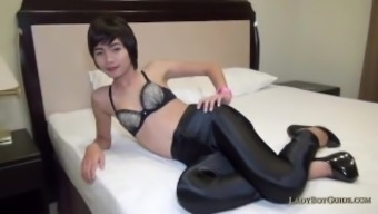 Asian TS pantyhose