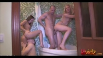 Realistic Young adult Partners Bath room Orgy Foxi Di