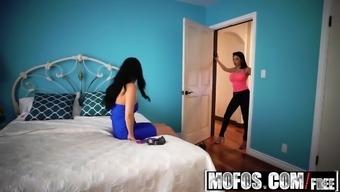 Mofos - Little girls Gone Bright purple - Darcie Dolce Sofi Ryan - Lesbian S
