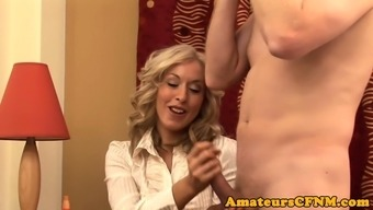 Influential MILF teases open man in closeup
