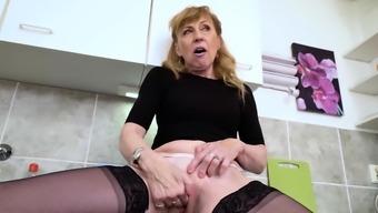 EuropeMaturE Hot Mature Milf Alone Genital masturbation