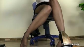 one(1) Irina Vega Masturbates Ove Pantyhose
