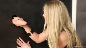 Black Cayla Lyons enjoys to actually suck a dildo within the glory hollow