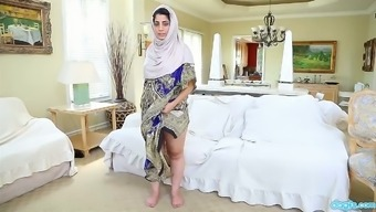 Heated busty Pakistani nympho Nadia Ipak is joyful to effectively masturbate her soppy pussy
