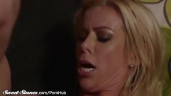 Big Titties MILF Alexis Fawx Stinks Golf balls & Gets Drilled
