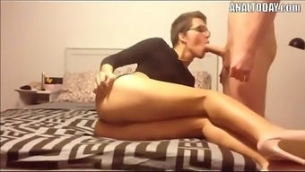 Anal Sex By using Short Haired Beautiful The german language Hen