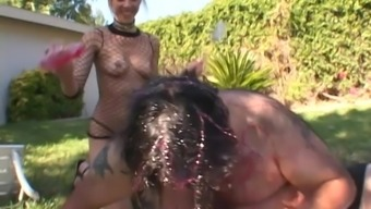 Fat guy talked Delilah Strong into screwing with him outdoors