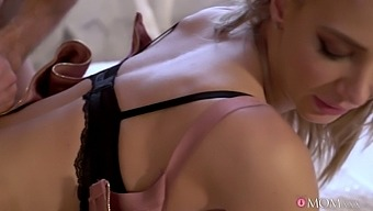 Slow romantic fuck in stockings