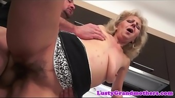Nana jizzed on hairypussy after sex