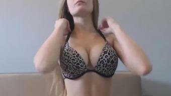Warm Gal by using Natural Major Boobs Masturbates