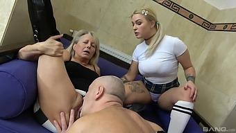 Mature leaves grandpa to fuck the niece in a mutual trio