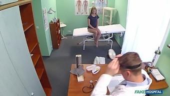 Long hair model Violet Pink drops her panties to get oral exam