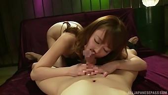 Wild fucking between stripper Yoshizawa Akiho and a client