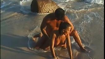 Aaliyah Love