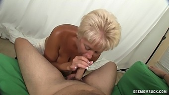 Granny sucks dick and wants to fuck in the ass
