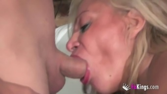 Alexa Blune is a blond cougar wanting to listen to with guys